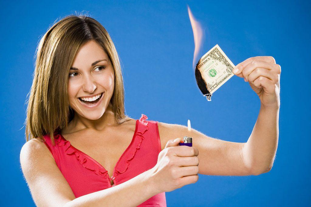 Imagem representando dinheiro fora - Infomax Brasil